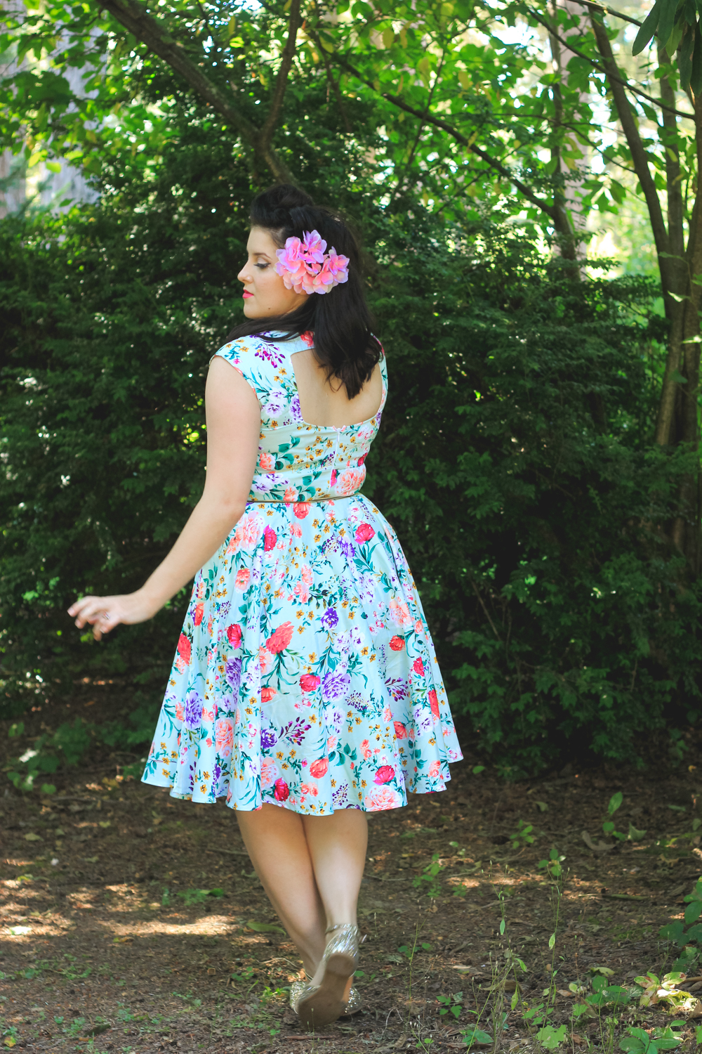 Fangirl review and a Grace Karin Dress | eyreeffect.com